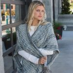 Dynasty Reversible Capelet
