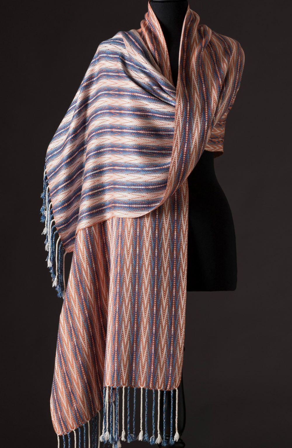 silk blend wrap reversible - ginger