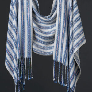 Handwoven silk blend reversible wrap – Pearl